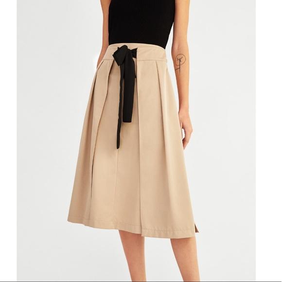 e880b9d3bc0 Zara Skirts | Nwt Midi Skirt With Black Bow | Poshmark